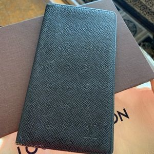 Louis Vuitton Taiga Leather Wallet